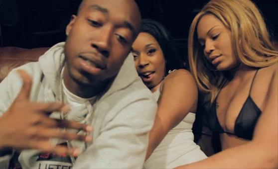 Freddie Gibbs feat. 2 Chainz &#8211; &#8220;Neighborhood Hoes&#8221; [Video]